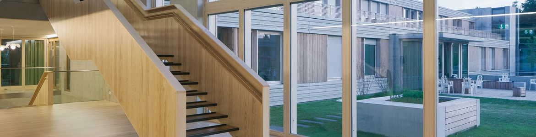 isolierglas fenster fenstert ren und fassaden. Black Bedroom Furniture Sets. Home Design Ideas